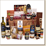 the accolade in a wicker - traditional hamper LL15
